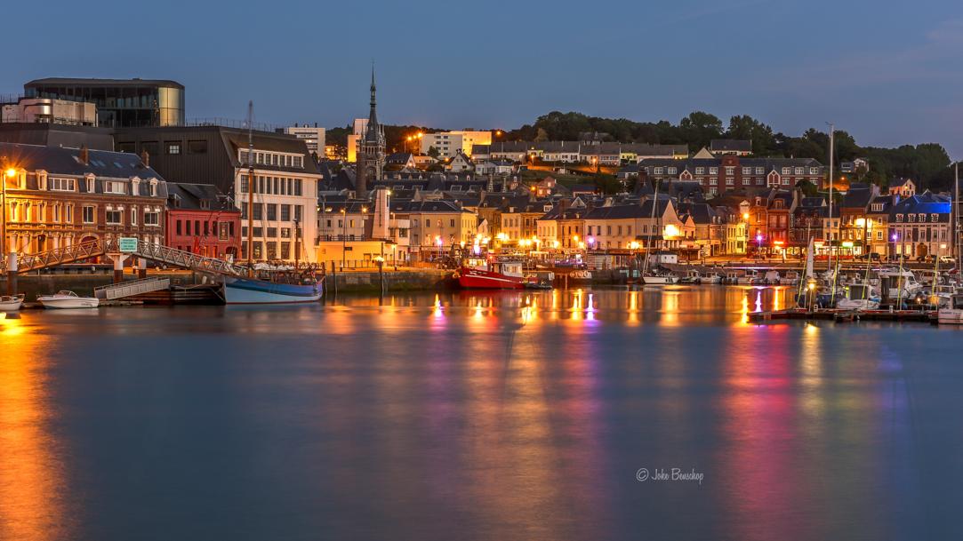 Fécamp Frankrijk haven bij nacht