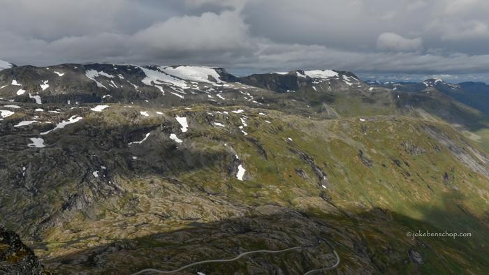 Op het dak van Noorwegen is het uitzicht schitterend