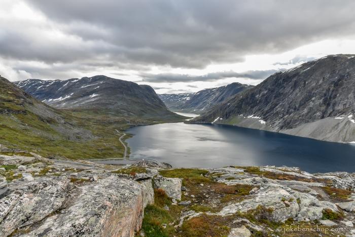 Meer Djupvatnet vanaf de top