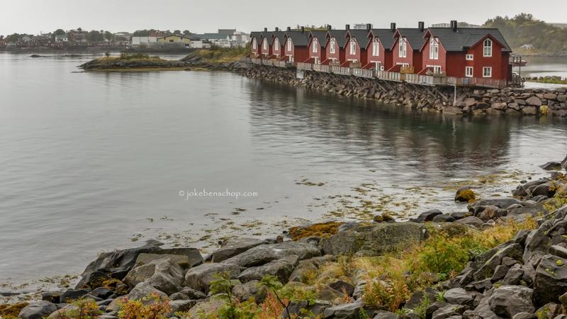 Huisjes op palen op de Lofoten