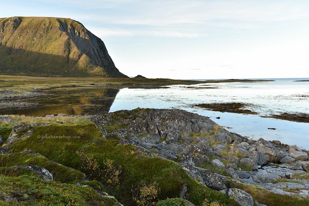 Kustlijn Vesterålen aan de Noorse zee