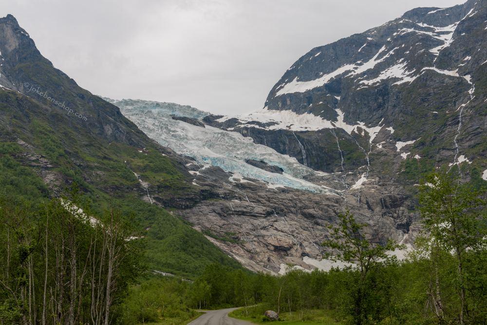 Een uitloper van de Briksdalsbreen gletsjer