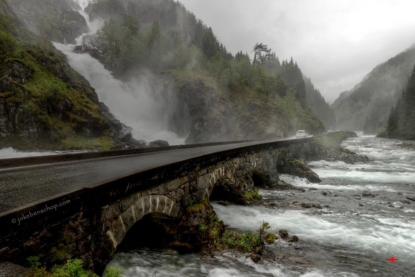 Heel Noorwegen-op weg naar Eidfjord