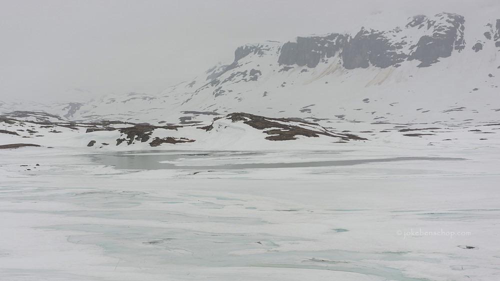 Smeltend sneeuw en ijs