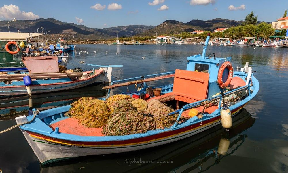 Vissersbootje met netten