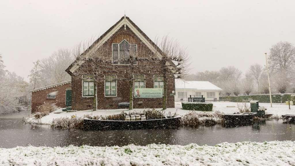 Streekmuseum Reeuwijk in een sneeuwbui Bodegraven-Reeuwijk