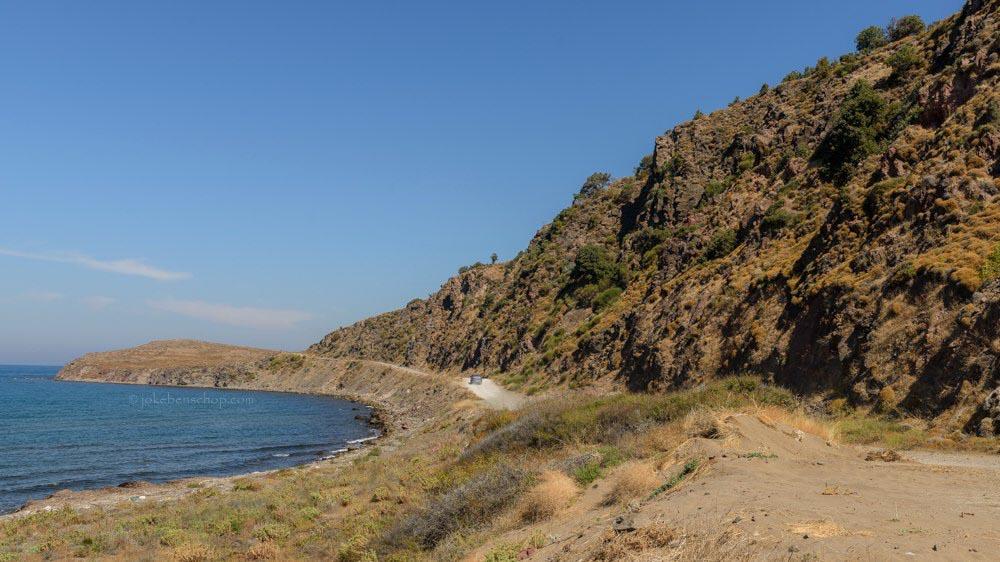 Pad langs de kust eindigt  langs het strand